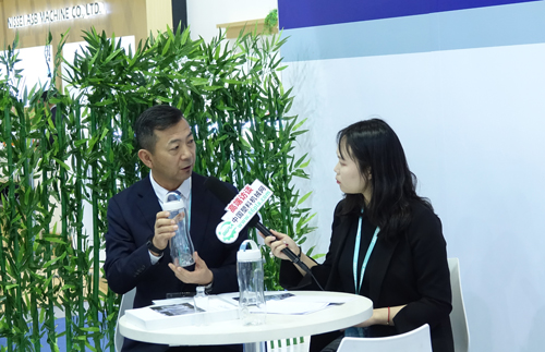 CHINAPLAS 2018:访精业机器副总李晖